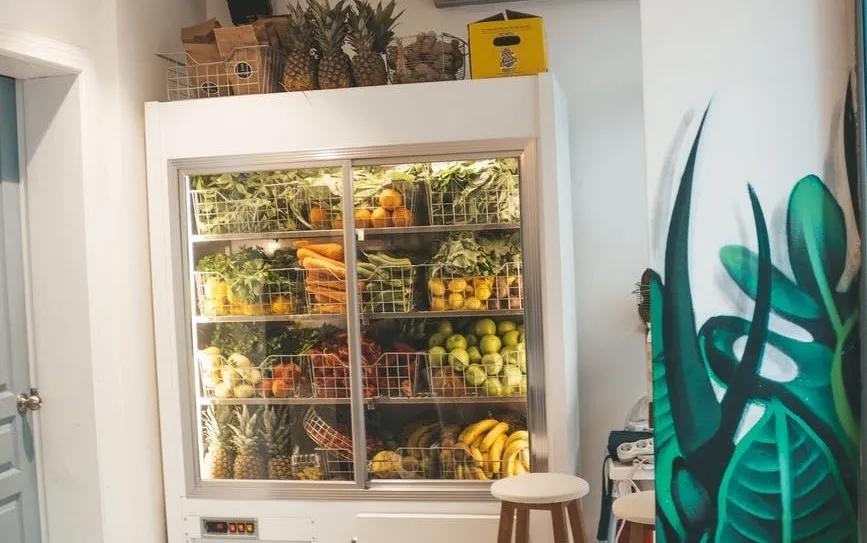 什么是速冻食品,放进冰箱里的食物是速冻食品吗?